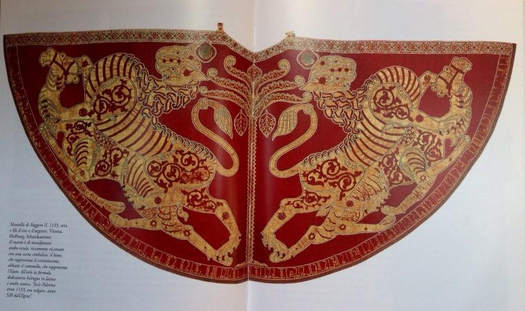 Mantello utilizzato da Ruggero II durante la sua incoronazione a Palermo nel 1133
