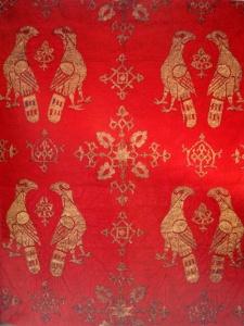 Tessitura di seta siculo-araba, aquile accoppiate e nodi decorativi